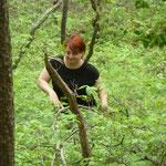 Wir kämpfen uns tief in den Wald rein...
