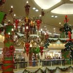 Auch in Asien gibts schon Weihnachtsdecko.......