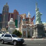 und das New York New York mit der Achterbahn rund ums Hotel...
