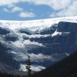 Da oben auf dem Gipfel gibt es noch eine Menge Schnee...