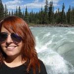 Bernadette mit Wasserfall