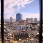 Unsere Aussicht von unserem Zimmer über die Stadt..
