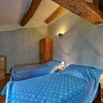 Chambre bleue : 2 lits simples