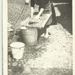 1950 - Madre lavaggio panni - mother washing dress