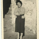 1950 - Madre in abito da lavoro - mother work dressed