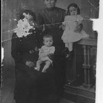 1900 - La nonna della nonna della nonna.... The grandmother of grandmother of grandmother....