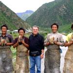 Beppe incontra gruppo pellegrini tibetani