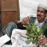 uomo mangia qat