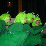 Fasent Feet tanzen als Froschkönige