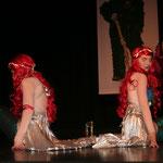 Als Ariel entführt die Gruppe Fasent Feet den Saal unter das Meer
