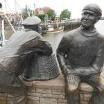 Fischerstatuen in Carolinensiel