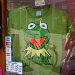 セサミストリートの主役が「Go Green!」と叫ぶ。
