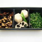 栄養満点のお惣菜の盛り合わせ。