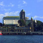 385室構えたホテルHotel Hafen Hamburg。右の塔にTower Barがある。