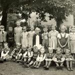 Volksschule Geisecke, Klassenfoto von 1953, Klasse 1 und 2