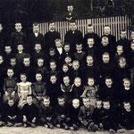 Ev. Volksschule Geisecke 1892/93 mit Lehrer Beckmann