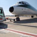 PR-Foto mit einer MD-82/Courtesy: Alitalia