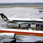 Mit einer MD-87 von Iberia im Vordergrund/Courtesy: Tony McGhee