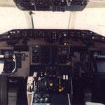 Cockpitfenster einer MD-81 der JAS/Courtesy: JAS?