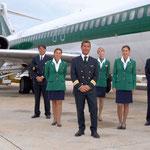 PR-Foto mit einer MD-82 als schöne Hintergrundkulisse/Courtesy: Alitalia
