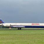 Die SU-ZCA in Amsterdam. Die Aufnahme wurde am 27. August 1996 gemacht und zeigt diese MD-83 auf ihrem Auslieferungsflug an Heliopolis während eines Zwischenstopps in Amsterdam./Courtesy: David van Maaren