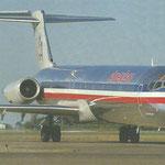 Das charakteristische T-Leitwerk einer MD-80/Courtesy: American Airlines