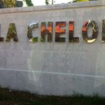 scritta esterna Villa Cheloni