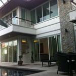 Facciata esterna della villa a 2 piani