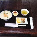 春日大社にて神米粥の昼食