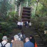 室生寺。修復成った五重塔を目指して