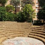 Anfiteatro nel parco urbano di via Meuccio Ruini, Quartiere Colli Aniene - Roma (foto: G. Scavino)