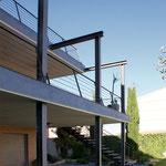 Detalle de barandilla de terraza exterior