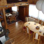 Wohn- und Aufenthaltsraum mit grossem Esstisch