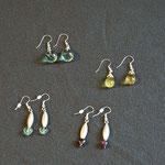 Ohrringe mit Silber u. verschiedenen Steinen