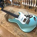 長年ギター製作やリペアで培ったアイデア、技術を伝統的な25.5インチギターに落とし込んだオリジナルモデルQIINTIC。ギターという楽器の楽しさを再認識していただけるであろう自信作です。