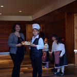 Посрещат ни в Челе ди Булгерия с хляб и сол