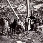 lavori ai tralicci in Valle Brembana (archivio U. Manzoni)