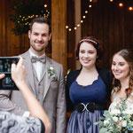© Lisa Goseberg Fotografie (www.lisagoseberg.de): Hochzeitssängerin Juli mit Brautpaar Michaela und Matthias