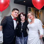 © Bilderstolz Fotografie (www.bilderstolz.com): Hochzeitssängerin Juli mit Brautpaar Claudia und Christoph