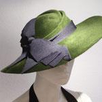 Model Lale, green Velvet Felt and a  black ribbon bow