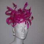Modell pinker Haarreif, aus Gänse -  und Hanhnenfedern