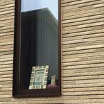 窓際に小さな教室案内があります♪