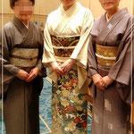 きもの文化検定の合格パーティー。生徒さんたちと着物姿の写真です。