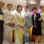 K先生Y先生を囲んでの記念撮影。大阪教室のメンバーです。