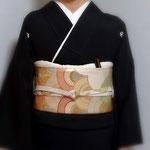 「森田空美 着付け教室」宝塚の留袖着付け。