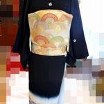 黒留袖に二重太鼓を結びました。後ろ正面から写した生徒さんの作品です。