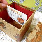 カルトナージュ(探検家の地図柄、正方形)_カード収納できるサイズ