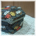 カーネーションの六角形BOX_カルトナージュ#142_03©Atelier Z=Grace