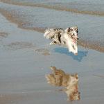 Ixy in ihrem ersten Uralub am Meer