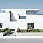 Photovoltaik Fassade weiß